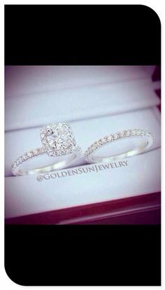 Wedding ring and engagement ring set. literally my dream ring!