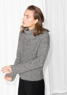 Model+wears:+size+S+++++Length+of+sweater:+54+cm+(size+S)