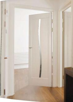 Межкомнатные двери Экошпон покрыты специальной многослойной пленкой, имитирующей натуральную древесину.