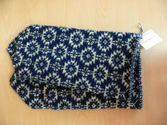the traditional Estonian knit; pattern from the Pilistvere Parish, Estonia Fingerless Mittens, Knit Mittens, Knitted Gloves, Knitting Charts, Knitting Stitches, Knitting Patterns, Wrist Warmers, Hand Warmers, Fair Isle Pattern