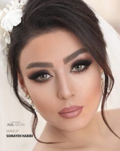 Dramatic Wedding Makeup, Wedding Makeup Tips, Bride Makeup, Girls Makeup, Party Makeup Looks, Wedding Makeup Looks, Bride Hairstyles, Down Hairstyles, Hooded Eye Makeup Tutorial