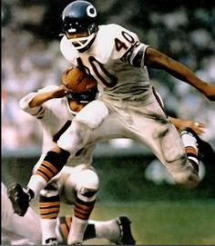 751a956fb42 Gale Sayers Chicago Bears 1965-71. HOF Class  77. Gale Sayers