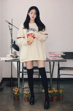 2016 daily feminine& classy look Cute Fashion, Look Fashion, Girl Fashion, Womens Fashion, Fashion Design, Cute Casual Outfits, Girl Outfits, Fashion Outfits, Korean Outfits Cute