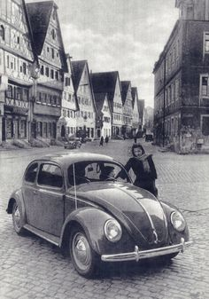 Volkswagen History - Historic pictures about the Volkswagen company and their aircooled cars but also older photos… - Car Volkswagen, Vw Cars, Vw T1, Vw Camper, My Dream Car, Dream Cars, Van Vw, Kdf Wagen, Poster