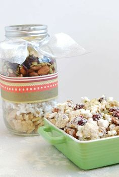 Homemade Holiday Gift Idea...Blizzard Bites in a Jar // @The Lean Green Bean