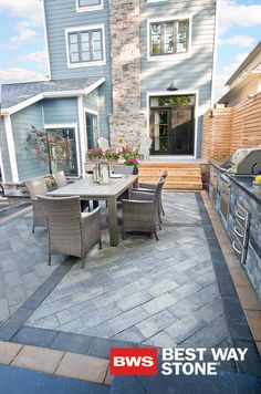 Best Way Stone > Pavers: Richmond (Grey Mix) with Adelaide (Ultra Black) inlay and (Sahara Blend) border  #outdoor #landscape #outdoorkitchen #design