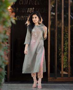 Stylish Designer Kurti with Designer Pant Simple Kurti Designs, Kurta Designs Women, Salwar Designs, Pakistani Dresses, Indian Dresses, Indian Outfits, Stylish Dresses, Fashion Dresses, Indian Designer Suits