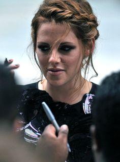 Celebrity Kristen Stewart Hairstyles in Summer 2012 | Hairstyles Weekly