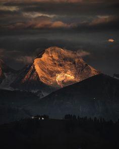 www.huusgstaad.com Half Dome, Mount Everest, Hiking, Autumn, Mountains, Nature, Travel, Fall, Naturaleza