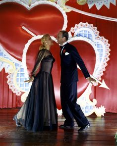 Marjorie Reynolds & Fred Astaire - HOLIDAY INN