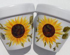 Sunflower Garden, Sunflower Flower, Floral Flowers, Painted Plant Pots, Painted Flower Pots, Clay Flower Pots, Clay Pots, Painting Pots, Cement Planters