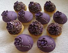 Some deep purple cupcakes some iced and othes topped with chocolate ganache. Inspired by small things iced and sugarbloom cupckakes. Fondant Cupcakes, Baking Cupcakes, Mini Cupcakes, Dessert Drinks, Dessert For Dinner, Desserts, Purple Love, Deep Purple, Purple Stuff