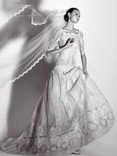 http://ellendean.hubpages.com/hub/Vintage-Inspired-Wedding-Gowns