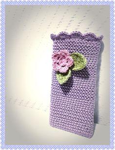 In meinem ersten Post zeige ich Euch wie ihr eine Handyhülle häkeln könnt fürs Iphone 6, so wie ich es getan habe und liste euch auf was ihr dazu braucht.