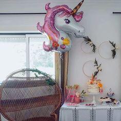 Como fazer uma criança feliz,  balões e a casa cheia de amiguinhos 🎈🦄🎉 . . . #Unicornparty #amariafaz3anos #hojeparajantar… Unicorn Party, Boho, Instagram, Full House, Houses, Bohemian