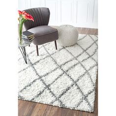 nuLOOM Alexa My Soft and Plush Moroccan Trellis White/ Grey Easy Shag Rug (8' x 10') - Overstock Shopping - $174