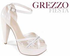 Los modelos peep toes siguen siendo los grandes protagonistas para los zapatos de novia 2013.    ¡Las plataformas y tacón ancho les aseguran comodidad en el día más importante!
