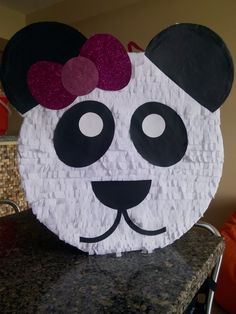 Piñata de oso panda Bat Signal, Superhero Logos, Art, Party, Kunst, Art Education, Artworks