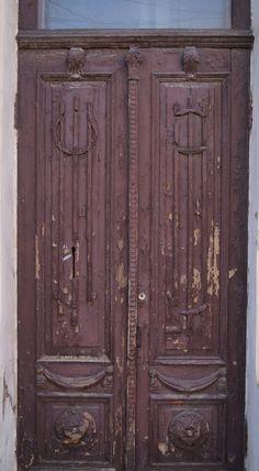 Фотофакт: старинные двери Симферополя - В городе