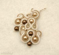 beżowe kolczyki sutasz z perełkami. $23 Belly Button Rings, Jewelry, Decor, Jewlery, Decoration, Jewerly, Schmuck, Jewels, Belly Rings