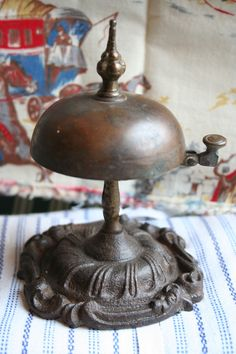☀ sinos e luzes - Antique French hotel reception bell