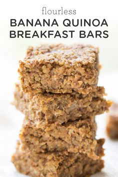 Flourless Banana-Quinoa Breakfast Bars Bound to be your new favorite breakfast food! Try this easy flourless banana quinoa breakfast bars recipe! Theyre healthy made with oatmeal vegan and great for kids. Source by simplyquinoa Banana Quinoa Breakfast Bars, Quinoa Bars, Breakfast Cookies, Healthy Breakfast Recipes, Healthy Baking, Healthy Snacks, Healthy Protein, Banana Quinoa Recipes, Vegan On The Go Breakfast