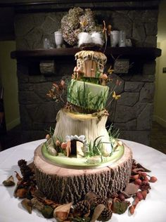 The Hobbit: 15 Awesome Cakes  I want this so much!! #provestra