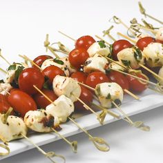 Marinated Mozzarella Balls are always a party favorite. Super easy to make, yet no one can resist these little balls of deliciousness. Serve these bite-size appetizers skewered, or in a pretty bowl wi Skewer Appetizers, Wedding Appetizers, Appetizer Recipes, Easter Appetizers, Easy Bite Size Appetizers, Christmas Cocktail Party Appetizers, Easy Summer Appetizers, Outdoor Party Appetizers, Beach Appetizers