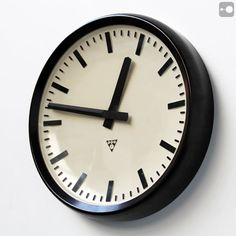 Bakelite industrial clock manufactured by Pragotron, Czechoslovakia