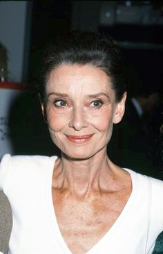 Audrey Hepburn photographed by Ron Galella at the International Women's Forum at the Beverly Hills Hilton Hotel in Beverly Hills, California, United States, Oct. Audrey Hepburn Pictures, Audrey Hepburn Quotes, Audrey Hepburn Style, Beverly Hills Hilton, Harry Belafonte, Shirley Maclaine, Bill Cosby, Roman Holiday, Humphrey Bogart
