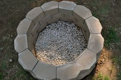 DIY Fire Pit Glass Rock Fire Pit Seating, Fire Pit Area, Cool Fire Pits, Diy Fire Pit, Garden Fire Pit, Fire Pit Backyard, Fire Pit Gallery, How To Build A Fire Pit, Fire Pit Materials