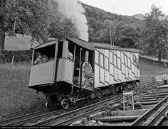 9 Pilatus Bahanen (PB) Bhm at Oberwalden, Switzerland by Brian Stephenson Old Steam Train, Train Of Thought, Swiss Railways, Train Table, Racking System, Rail Car, Busa, Model Trains, Locomotive