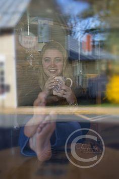 /Fauquier Fotos | Warrenton, VA | Posts/High School Senior Portaits/Senior Girl Coffee shop pose/Fauquier High School