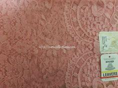 Model: Medallion/ Medallón  Material: Traditional Leavers Color: Blush/Maquillaje Size: 115 x 60 cm  Made in: Spain/España  TOP quality Volart Leavers veil. It will frame your face, head and shoulders beautifully with its soft and light texture.  Velo de alta calidad Marca Volart Leavers de encaje Espanol. Este velo se conforma a su cuerpo y es muy suave y con efecto de poco peso.