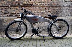The Ruffian von Ruff Cycles, gesehen und getestet auf der Berliner Fahrradschau. - http://ebike-news.de/the-ruffian-vintage-chopper-als-e-bike/167542/