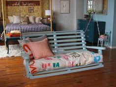 Decorar nuestro hogar con hamacas y balancines puede ser una idea irresistible si quieres crear un rincón para el ocio y el descanso...