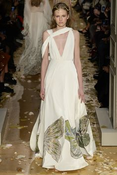 Valentino Spring 2016 Couture Collection Photos - Vogue