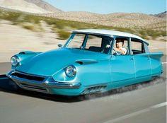 Citroën DS hover car