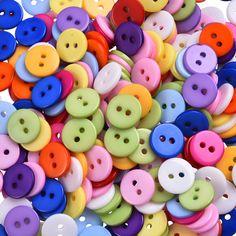 Купить товарГорячие продажи Оптовые Смешанные Цвета Круглой Формы 2 Отверстия Смола Кнопка Fit Швейные Scrapbooking Одежда Швейные 12 мм 300 шт./лот в категории Пуговицына AliExpress.   600PCs 2 Holes Resin Mixed Sewing Buttons for Kids Buttons Scrapbooking 6mm Decorative Buttons Apparel Sewing Wh