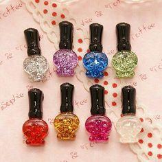 Cabochon glitter nail polish