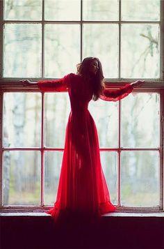 Красное вечернее платье для фотосессии