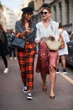 Модные блузки в горошек