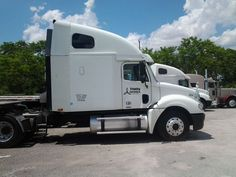 Make:  Freightliner Model:  Columbia Year:  2004 Body Style:  Commercial Vehicles Exterior Color: White Interior Color: Gray Doors: Vehicle Condition: Very Good  Please contact:    305-609-0355   For More Info Visit: http://UnitedCarExchange.com/a1/2004-Freightliner-Columbia-493331924260