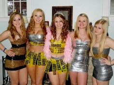 DUCT TAPE DRESSES - ALL FINE AND WELL, BUT WHAT HAPPENS WHEN YOU GOTTA PEE? LOL Abc Party Costumes, Diy Costumes, Costume Parties, Halloween Outfits, Halloween Costumes, Halloween 2014, Halloween Ideas, Anything But Clothes Party, Duct Tape Dress