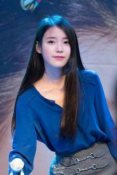 Aoyun is Dailan's prized child. Born without powers, she is the apple of her mother's eye.Oh Ji-eun Iu Fashion, Korean Fashion, Kpop Girl Groups, Kpop Girls, Korean Beauty, Asian Beauty, Korean Celebrities, Korean Actresses, Beautiful Asian Girls