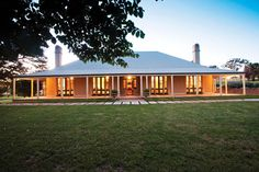 Stirling Tantallon Road, Orange, NSW 2800 – Property Details Stirling Tantallon Road, Orange, NSW 2800 – Property Details Image Size: 564 x 423 Source Porch House Plans, Barn House Plans, New House Plans, Dream House Plans, Country Home Exteriors, Modern Farmhouse Exterior, Metal Building Homes, Building A House, Australian Country Houses