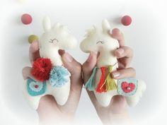 Fiesta the llama-Christmas Ornament-PDF Sewing Pattern-Alpaca ornament-Stocking Stuffer-Felt ornament pattern-DIY Project Fun Arts And Crafts, Felt Crafts, Fabric Crafts, Crafts For Kids, Felt Diy, Llama Christmas, Felt Christmas, Christmas Ornaments, Alpacas