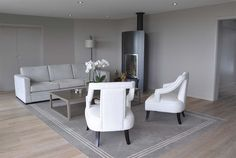 Grey and white contemporary living room Geneva, Grey And White, Dining Bench, Contemporary, Living Room, Interior Design, Luxury, Projects, Furniture