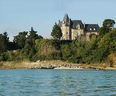 Les Maisons de Bricourt (Saint Meloir des Ondes/Ile-et-Vilaine), Brittany, France #chateau #castle #brittany #france #hotels