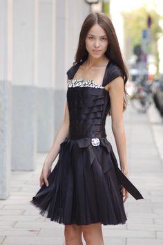 chanel ausstellung the little black jacket 2012 berlin love chanel pinterest. Black Bedroom Furniture Sets. Home Design Ideas